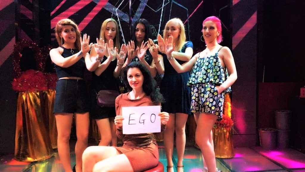 Девушки Хостес в китайском клубе - фото-отзыв